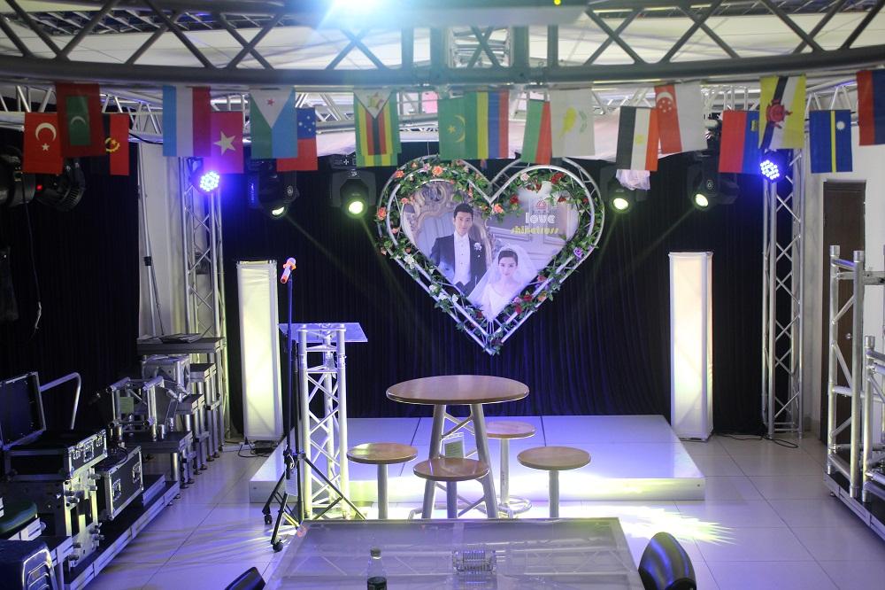 小型活动舞台现场