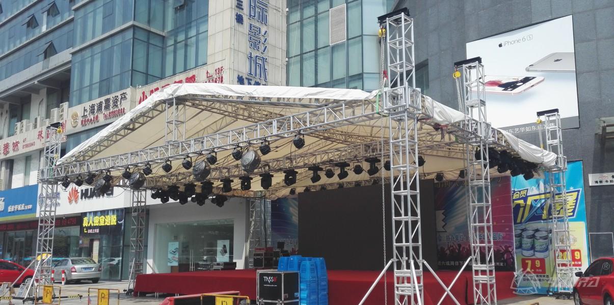 户外舞台灯光桁架一般搭多高?