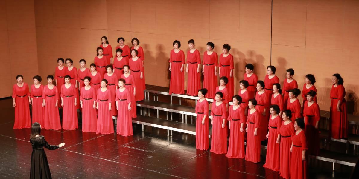 月光合唱团深圳大剧院音乐会合唱台
